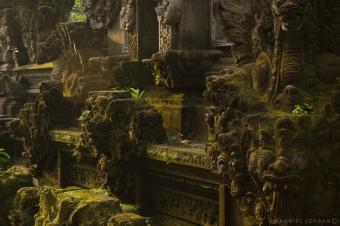 templu in zori